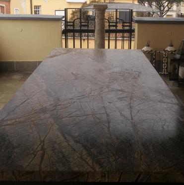 tavoli-in-pietra-naturale-tavoli-da-esterno